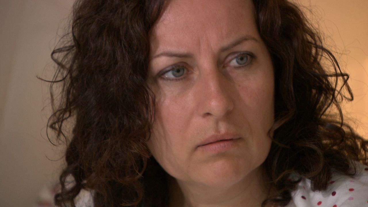 Die 38-jährige Arztgattin Victoria Hochfeld ist gefangen in einem goldenen Käfig. Reich, aber ungeliebt. - Bildquelle: SAT.1