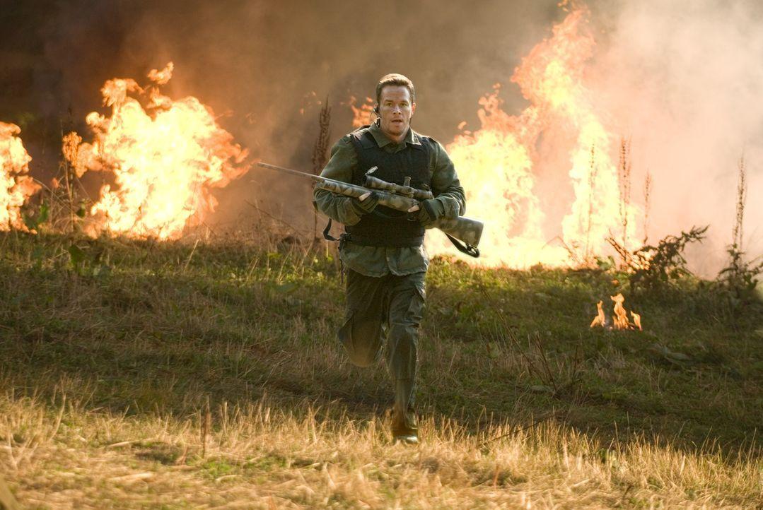 Nachdem er den Schock, ein zweites Mal reingelegt worden zu sein, überwunden hat, schießt sich Bob Swagger (Mark Wahlberg) durch die Reihen der Vers... - Bildquelle: Copyright   2007 by PARAMOUNT PICTURES. All Rights Reserved.