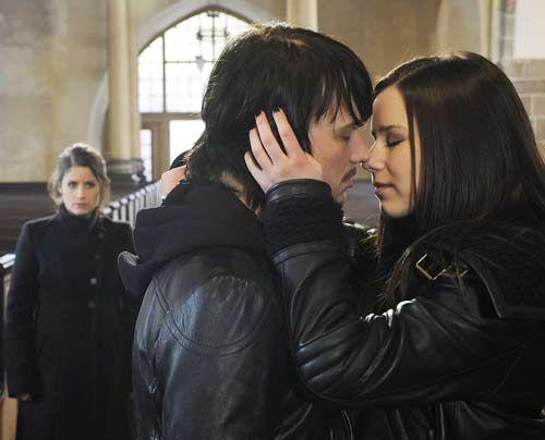Bea versetzt es einen Stich, als Ben und Luzi sich küssen ... - Bildquelle: Christoph Assmann - Sat1