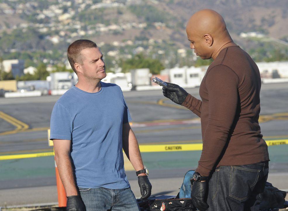 Ermitteln in einem neuen Fall: Sam (LL Cool J, r.) und Callen (Chris O'Donnell, l.) ... - Bildquelle: CBS Studios Inc. All Rights Reserved.