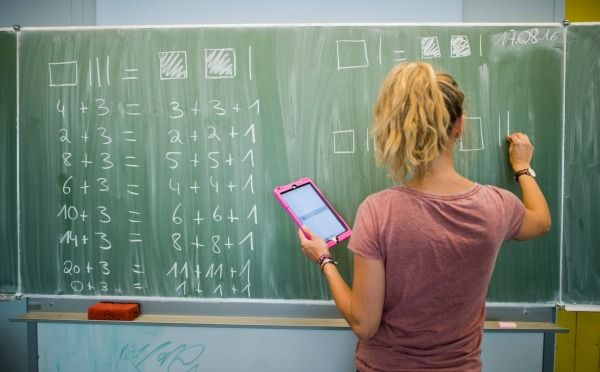 Lehrer/in: zwischen 2700 und 4000 brutto/Monat