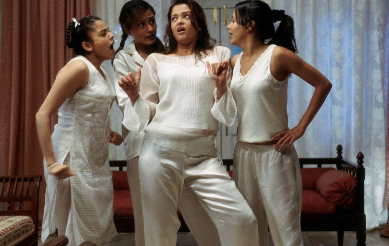 Weit und breit ist kein geeigneter Heiratskandidat für (v.l.n.r.) Maya (Meghna Kothari), Jaya (Namrata Shirodkar), Lalita (Aishwarya Rai) und Lakhi... - Bildquelle: Miramax Films