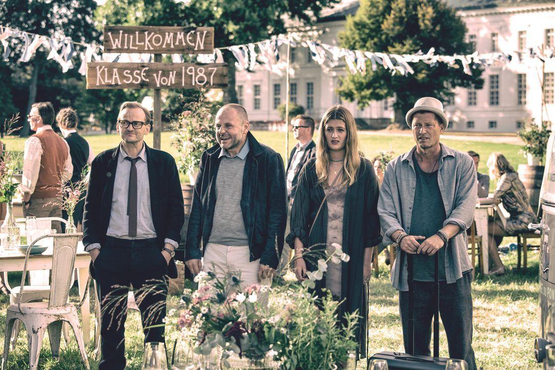 (v.l.n.r.) Andreas (Milan Peschel); Nils (Samuel Finzi); Lili (Lilli Schweiger); Thomas (Til Schweiger) - Bildquelle: 2018 Barefoot Films Gmbh / Nordisk Film A/S / Sevenpictures Gmbh / Warner Bros. Entertainment Gmbh
