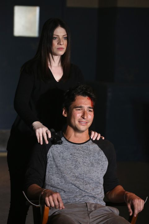 Dr. Maeve Donovan, Reids Freundin wurde entführt. Nach und nach kommt das BAU-Team dahinter, dass nicht Bobby Putnam (Jay Hayden, r.) ihr Ex-Freund... - Bildquelle: ABC Studios