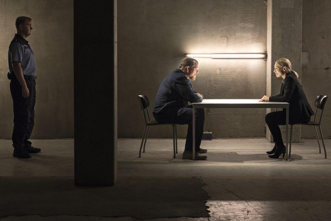 Dietmar Gernot (Bernd Hölscher, l.); Julia Durant (Sandra Borgmann, r.) - Bildquelle: Christian Lüdeke SAT.1 / Christian Lüdeke