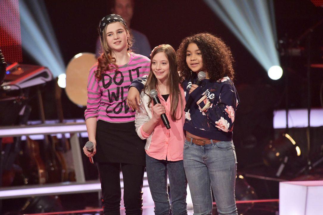 The-Voice-Kids-Stf03-Epi05-35-Zoe-Leonie-Lorena-SAT1-Andre-Kowalski - Bildquelle: SAT.1/ Andre Kowalski