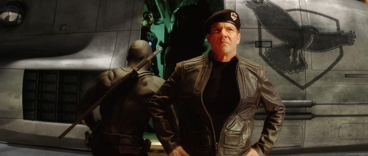 Von der ägyptischen Wüste bis unter die polaren Eiskappen ist das Eliteteam der G.I. Joe unter Leitung von General Hawk (Dennis Quaid) unterwegs.... - Bildquelle: 2009 Paramount Pictures Corporation. All Rights Reserved. Reserved.