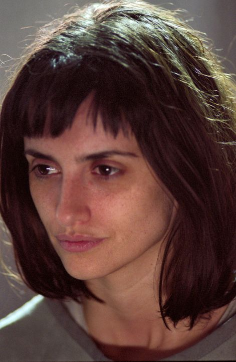 Patientin Chloe (Penélope Cruz) glaubt, von einem Geist in ihrer Zelle gequält zu werden ... - Bildquelle: 2004 Sony Pictures Television International. All Rights Reserved.