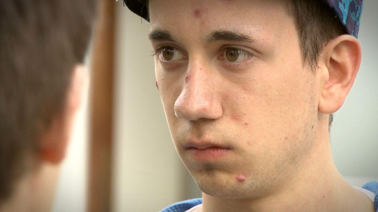 Schicksale-Hilfe-mein-Sohn-ist-ein-Nazi_18 - Bildquelle: SAT.1
