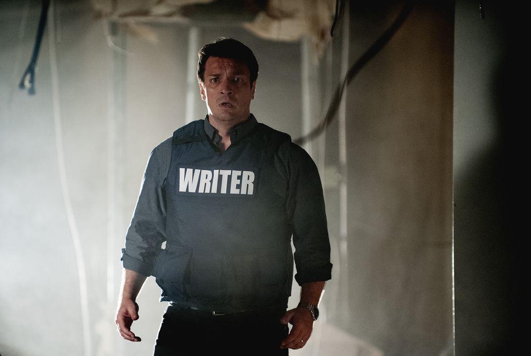 Kann nicht fassen, wer die erschossene Frau in dem gestürmten Gebäude ist: Rick Castle (Nathan Fillion) ... - Bildquelle: Colleen Hayes ABC Studios