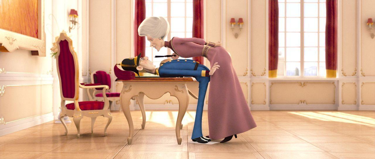 """Feldmarschall und Kaiserinmutter: """"Bitte keine Intimitäten, ich bin dienstlich hier!"""" - Bildquelle: 2007 herbX film gmbh (Alle Rechte vorbehalten)"""