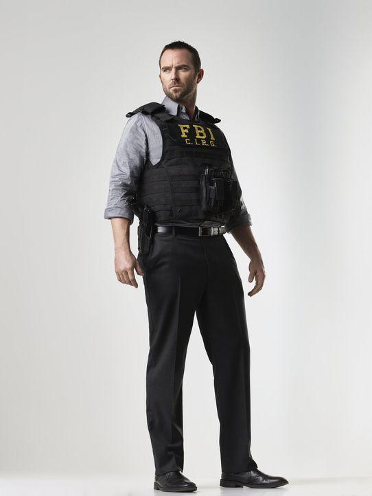 (1. Staffel) - Kurt Weller (Sullivan Stapleton) ist ein FBI-Agent, dessen Namen als Tattoo auf Janes Körper wiederzufinden ist. Offensichtlich sind... - Bildquelle: Warner Brothers.