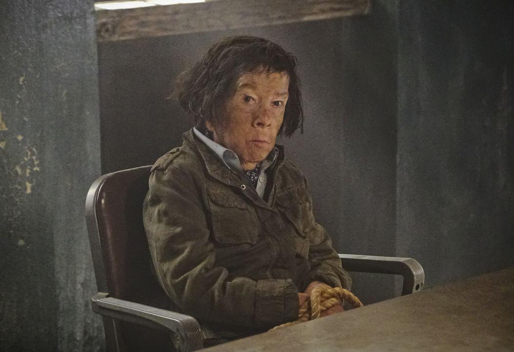 Noch immer wird Hetty (Linda Hunt) an einem unbekannten Ort in Vietnam festgehalten. Kann das Team das geheime Versteck aufspüren? - Bildquelle: Bill Inoshita 2017 CBS Broadcasting, Inc. All Rights Reserved