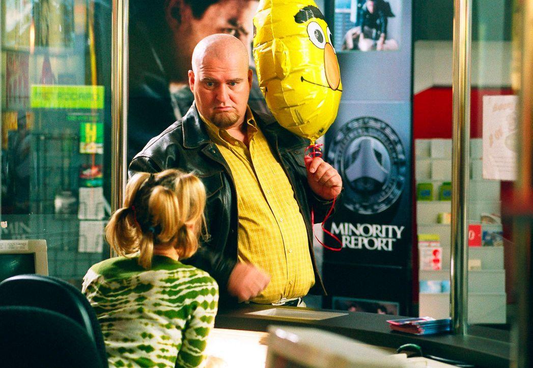 Markus Maria Profitlich will ins Kino mit Ermäßigung! - Bildquelle: Gordon Mühle Sat.1