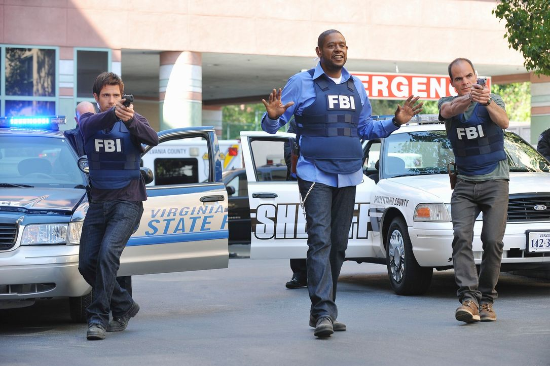 Versuchen alles, um einen neuen Fall zu lösen: Mick (Matt Ryan, l.), Sam (Forest Whitaker, M.) und John (Michael Kelly, r.) ... - Bildquelle: ABC Studios