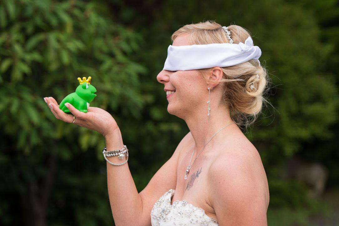 Traumprinz oder Froschkönig: Wie reagiert die Braut auf ihren Bräutigam, den sie auf dem Standesamt das allererste Mal sieht? - Bildquelle: Christoph Assmann SAT.1