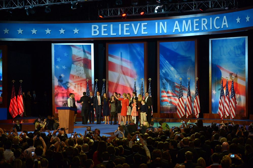 """""""Believe in America"""" lautete der Slogan des republikanischen Kandidaten Mitt Romney.  - Bildquelle: dpa - Bildfunk +++ Verwendung nur in Deutschland"""