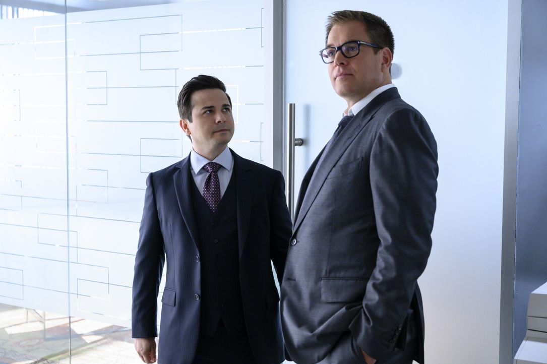 Benny Colón (Freddy Rodriguez, l.); Dr. Jason Bull (Michael Weatherly, r.) - Bildquelle: David Giesbrecht 2019 CBS Broadcasting, Inc. All Rights Reserved / David Giesbrecht