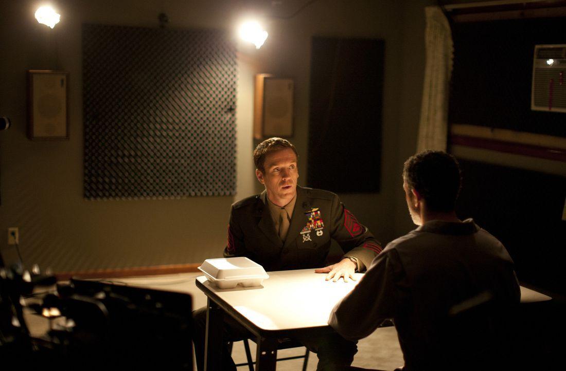 Brodys (Damian Lewis, l.) Besuch bei Afsal Hamid (Waleed Zuaiter, r.) zieht weite Kreise nach sich ... - Bildquelle: 2011 Twentieth Century Fox Film Corporation. All rights reserved.