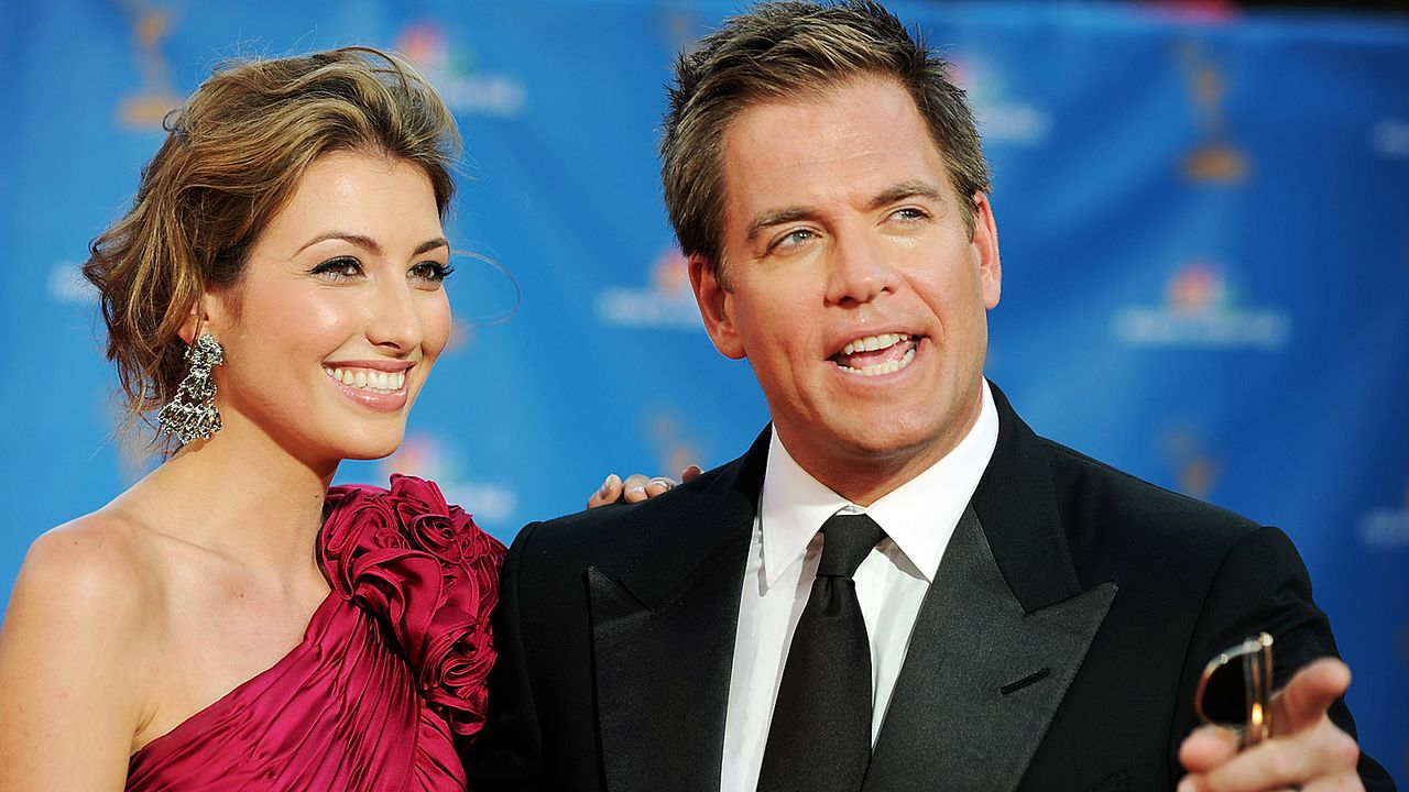 michael-weatherly-10-08-30-bojana-jankovic-abendgarderobe-getty-AFP - Bildquelle: getty-AFP