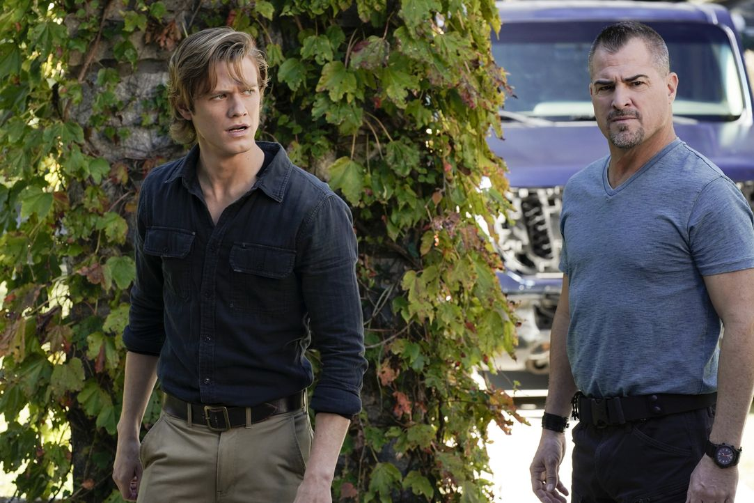 MacGyver (Lucas Till, l.); Jack Dalton (George Eads, r.) - Bildquelle: Jace Downs 2018 CBS Broadcasting, Inc. All Rights Reserved