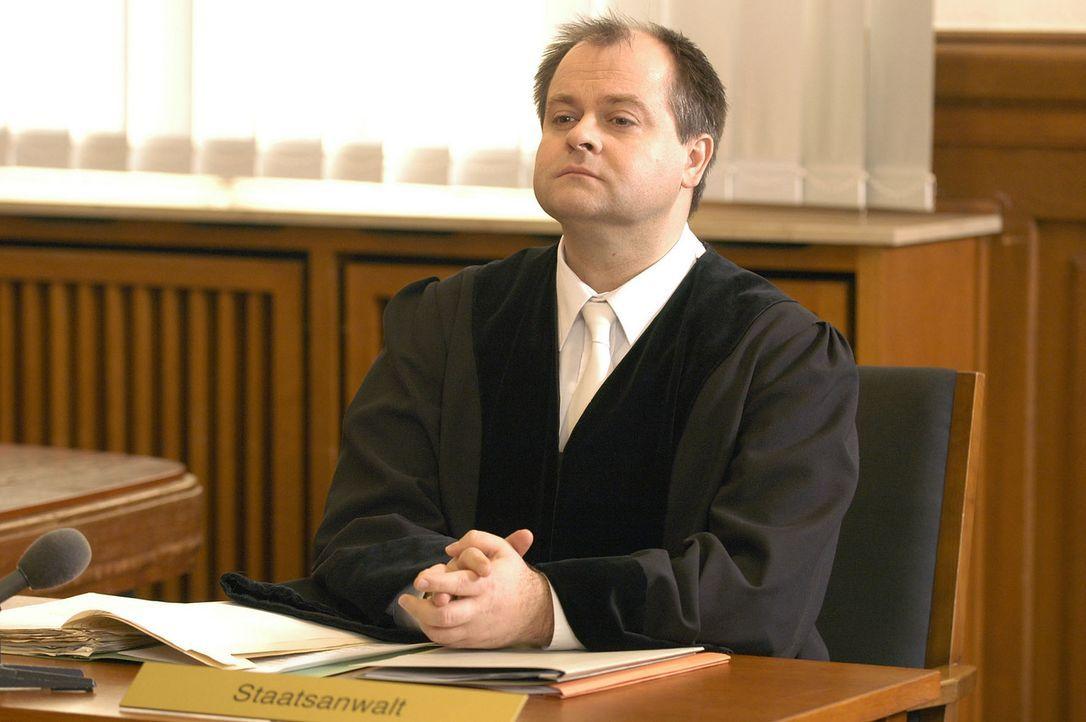 Markus Majowski - ein Staatsanwalt, der Spaß versteht. - Bildquelle: Sat.1