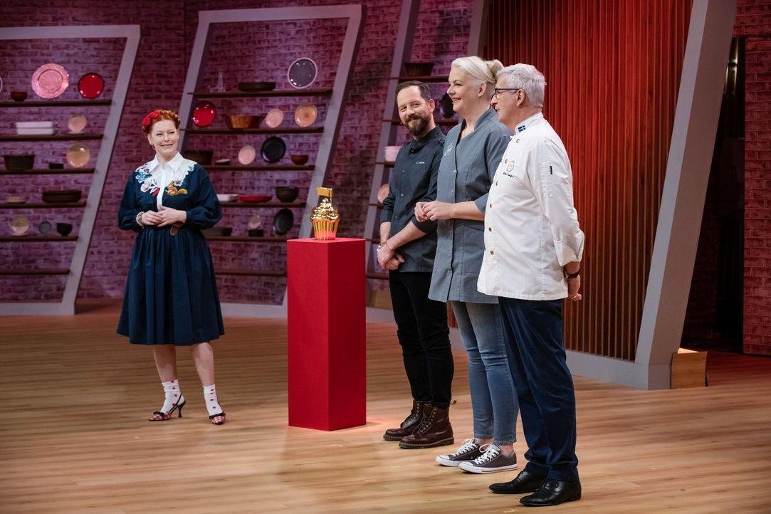 (v.l.n.r.) Enie van de Meiklokjes; Christian Hümbs; Bettina Schliephake-Burchardt; Günther Koerffer - Bildquelle: Claudius Pflug SAT.1