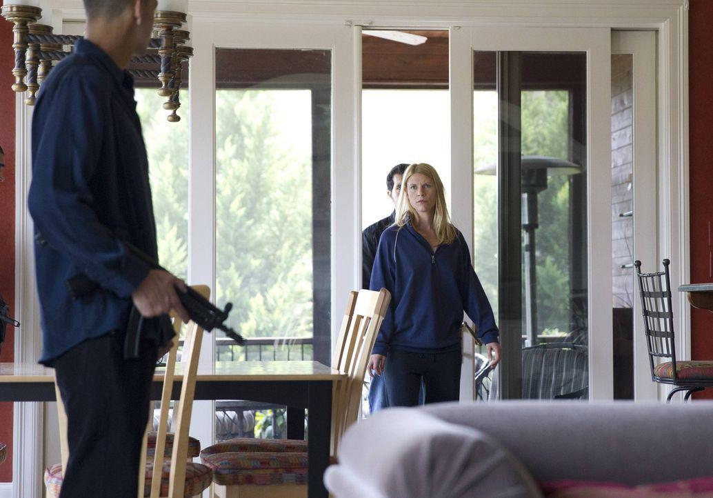 Steht Carries (Claire Danes, r.) Leben auf dem Spiel? - Bildquelle: 2013 Twentieth Century Fox Film Corporation. All rights reserved.