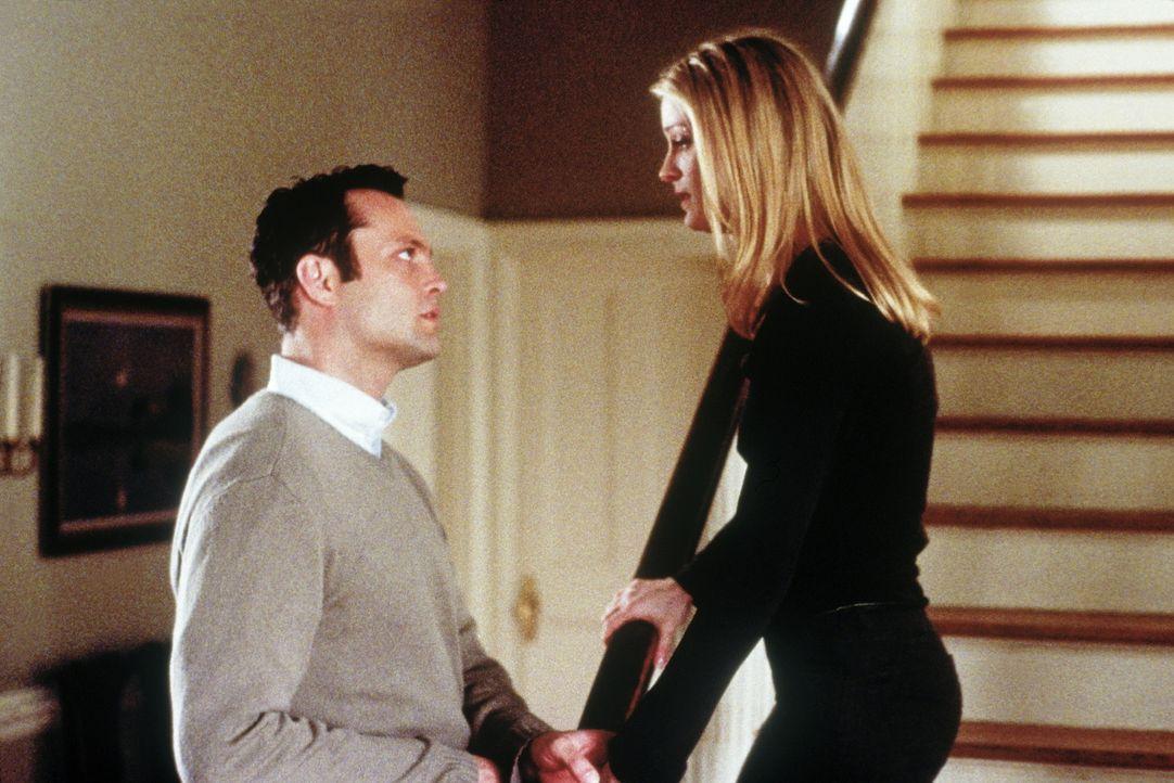 Für den 12-jährigen Danny wird die Hochzeit seiner Mutter (Teri Polo, r.) mit dem dubiosen Rick (Vince Vaughn, l.) zu einem Horrortrip, denn er muss... - Bildquelle: Paramount Pictures