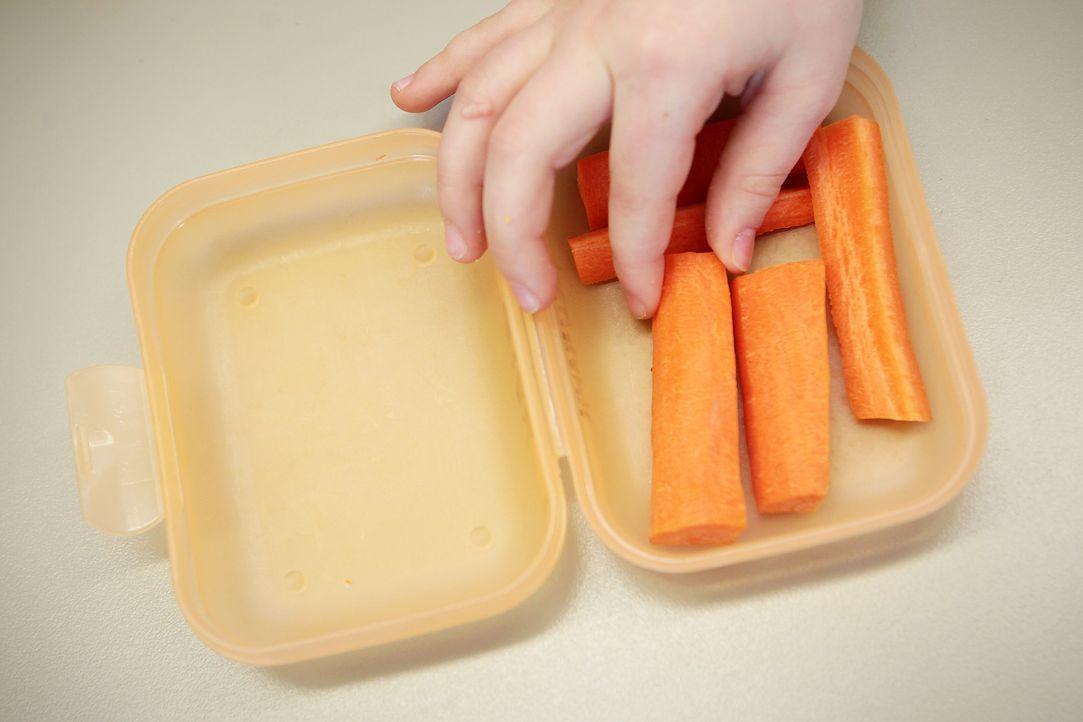 Karotten in einer Brotdose - Bildquelle: dpa
