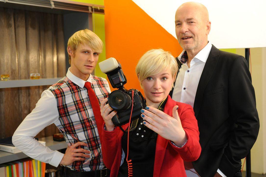 Ahnen noch nicht, dass Maik das Shooting platzen lässt: Virgin (Chris Gebert, l.), Bruno (K. Dieter Klebsch, r.) und Olivia (Kasia Borek, M.) ... - Bildquelle: SAT.1