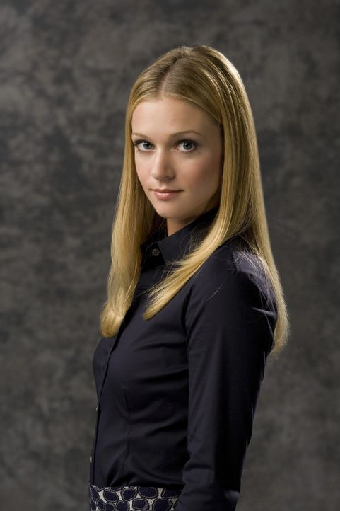 """(3. Staffel) - Gemeinsam mit ihren Kollegen entlarvt Jennifer """"J.J."""" Jareau (A.J. Cook) jeden Serientäter ... - Bildquelle: Touchstone Television"""