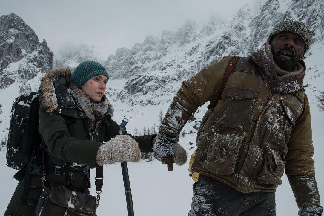 Alex Martin (Kate Winslet, l.); Ben Bass (Idris Elba, r.) - Bildquelle: Kimberley French 2017 Twentieth Century Fox Film Corporation.  All rights reserved. / Kimberley French