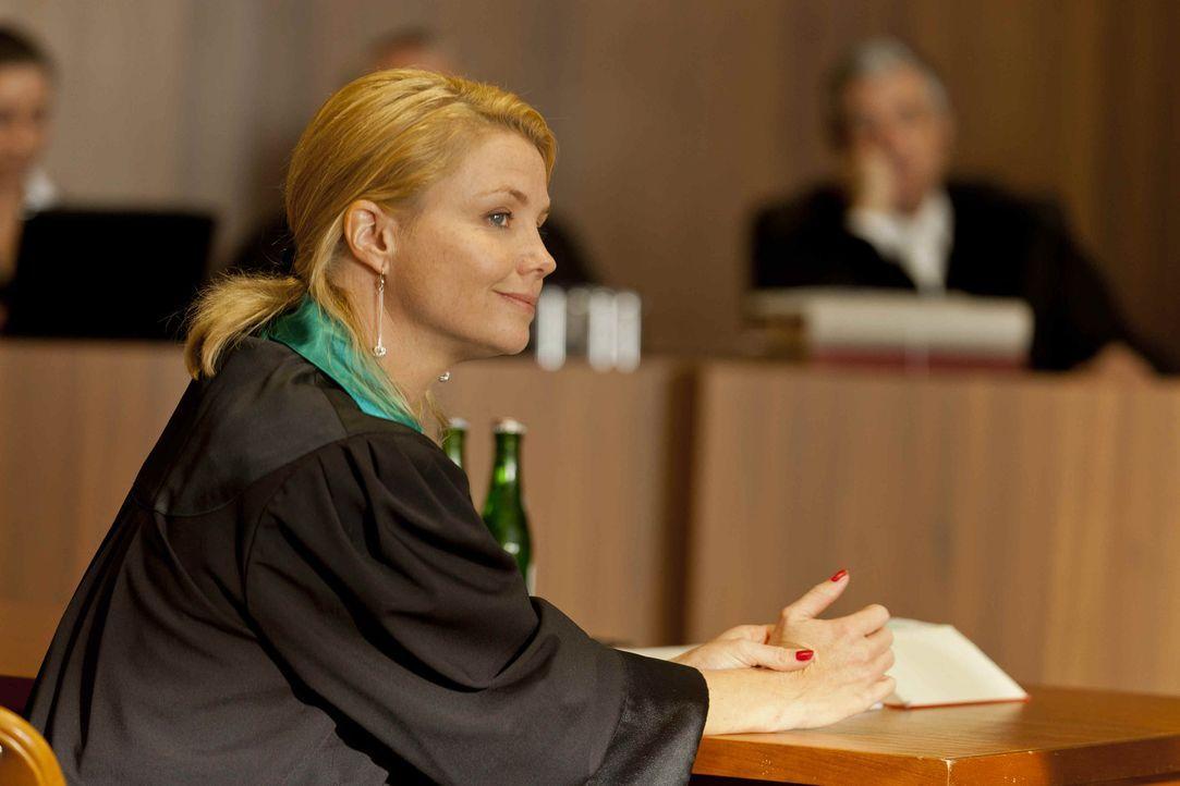 Ein neuer Fall wartet auf Danni (Annette Frier) ... - Bildquelle: SAT.1
