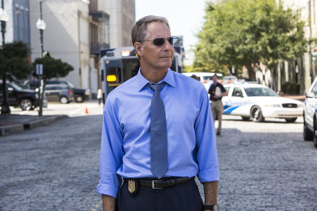 Soll einen Kronzeugen, der im Prozess gegen einen berüchtigten Waffenhändler aussagen soll, nach Texas eskortieren - doch dabei läuft nicht alles na... - Bildquelle: Skip Bolen 2014 CBS Broadcasting, Inc. All Rights Reserved