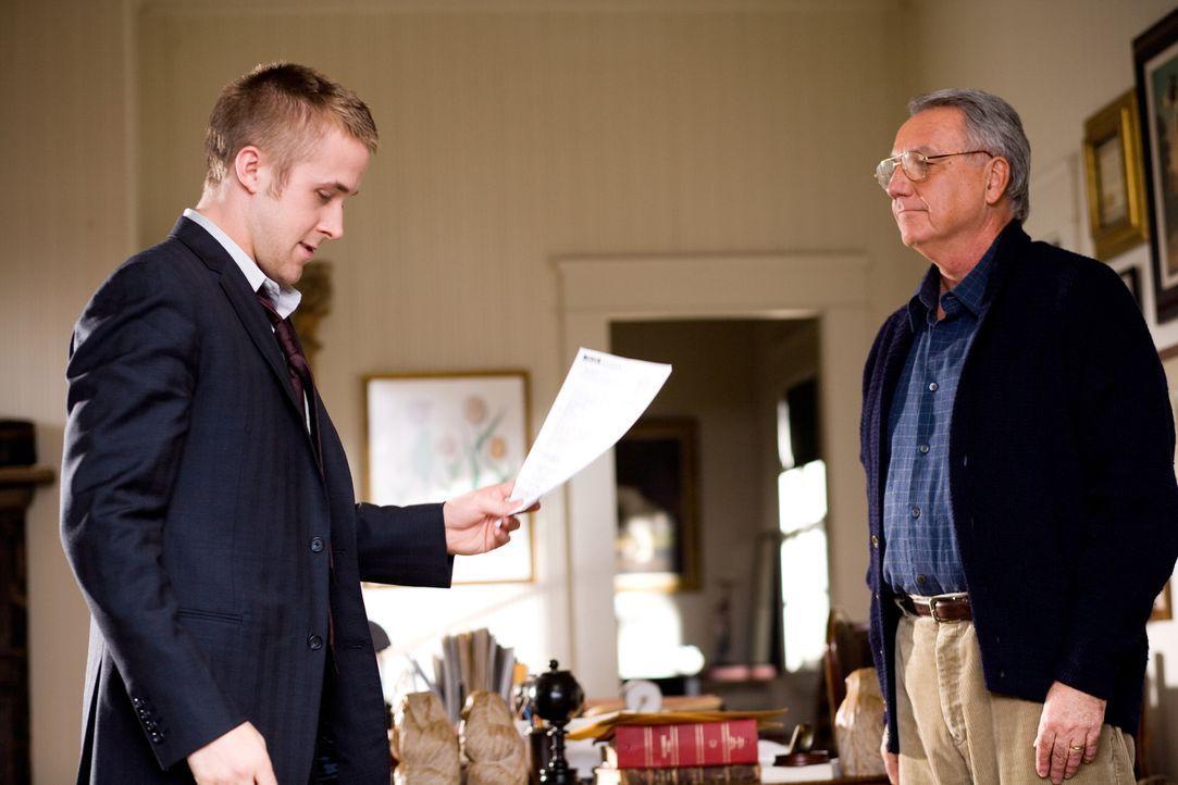 Der ehrgeizige Anwalt Willy Beachum (Ryan Gosling), der die Vertretung der Anklage übernimmt, glaubt leichtes Spiel mit dem vermeintlichen Routinefa... - Bildquelle: Warner Brothers