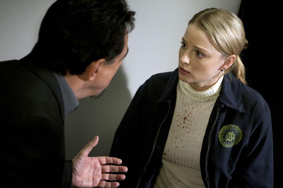 Ahnen nach und nach, dass Prentiss in Schwierigkeiten steckt. Rossi (Joe Mantegna, l.), Ashley (Rachel Nichols, r.) und das restliche Team, versuche... - Bildquelle: ABC Studios
