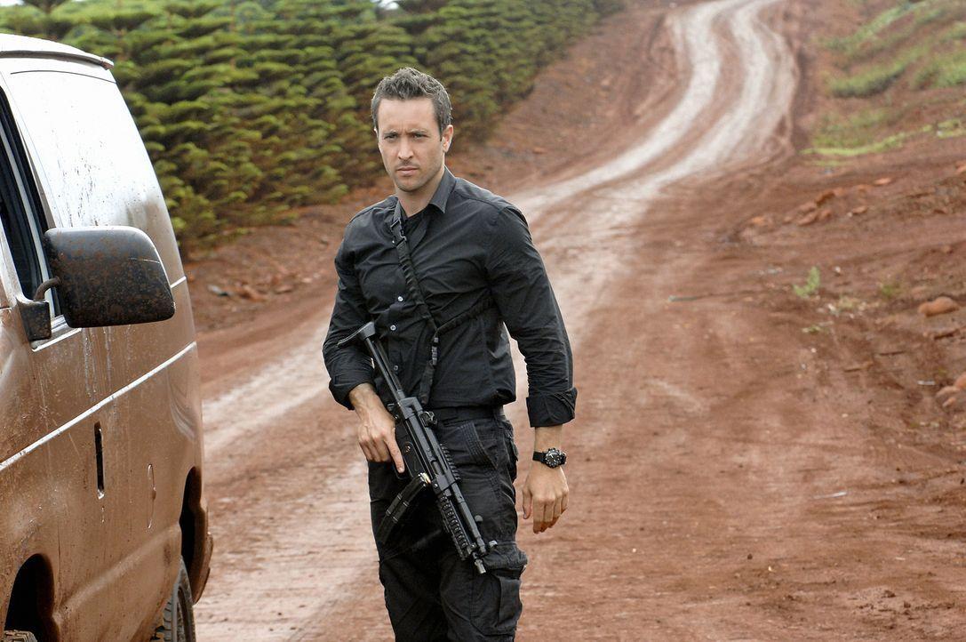 Versucht gemeinsam mit seinem Team den Mord an Polizist Meka aufzuklären: Steve (Alex O'Loughlin) ... - Bildquelle: TM &   2010 CBS Studios Inc. All Rights Reserved.