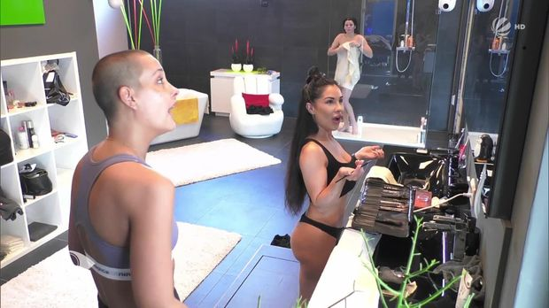 Big Brother - Big Brother - Folge 4: Marias Ganzkörper-überwachung Kommt Ans Licht