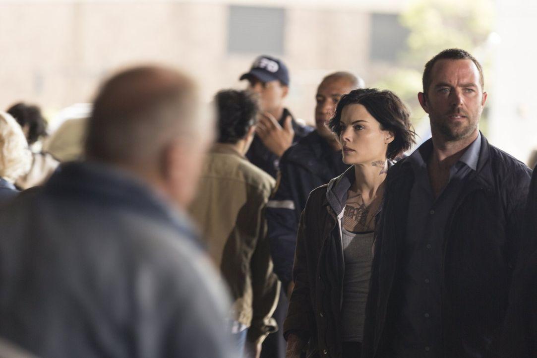 Im Kampf gegen das Böse: Jane (Jaimie Alexander, l.) und Weller (Sullivan Stapleton, r.) ... - Bildquelle: Warner Brothers
