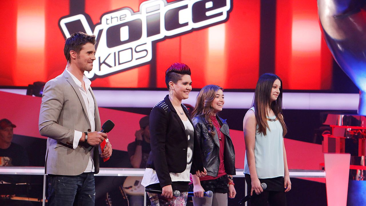 The-Voice-Kids-epi04-Louisa-Stephanie-Alexandra-4-SAT1-Richard-Huebner - Bildquelle: SAT.1/Richard Hübner
