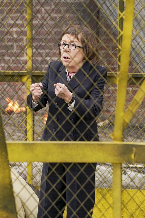 Begibt sich auf eine eigene Mission und gerät dabei in große Gefahr: Hetty (Linda Hunt) ... - Bildquelle: Monty Brinton 2016 CBS Broadcasting, Inc. All Rights Reserved.