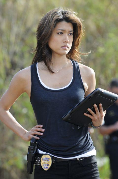 Als eine Frauenleiche in einem Ananasfeld gefunden wird, beginnen Kono (Grace Park) und ihre Kollegen mit der Suche nach dem Täter ... - Bildquelle: TM &   CBS Studios Inc. All Rights Reserved.