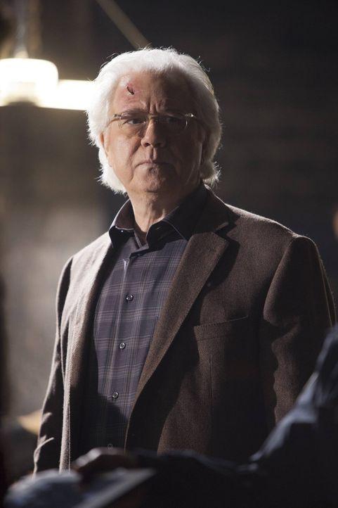 Eine folgenschwere Erfindung zerstörte Dr. Nigel Vaughns (John Larroquette) Leben und das vieler unschuldiger Menschen ... - Bildquelle: Warner Bros. Television