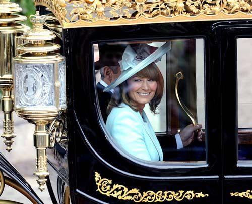 William-Kate-Gaeste-Verlass-der-Kirche-07-11-04-29-500_404_AFP - Bildquelle: AFP