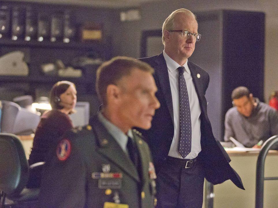 Überwacht die Geheimoperation in der CIA-Zentrale: Lockhart (Tracy Letts, r.) ... - Bildquelle: 2013 Twentieth Century Fox Film Corporation. All rights reserved.