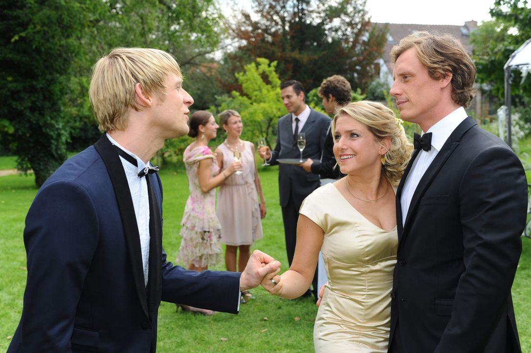 Erleben einen wundervollen Tag: (v.l.n.r.) Virgin (Chris Gebert), Anna (Jeanette Biedermann) und Tom (Patrick Kalupa) ... - Bildquelle: SAT.1
