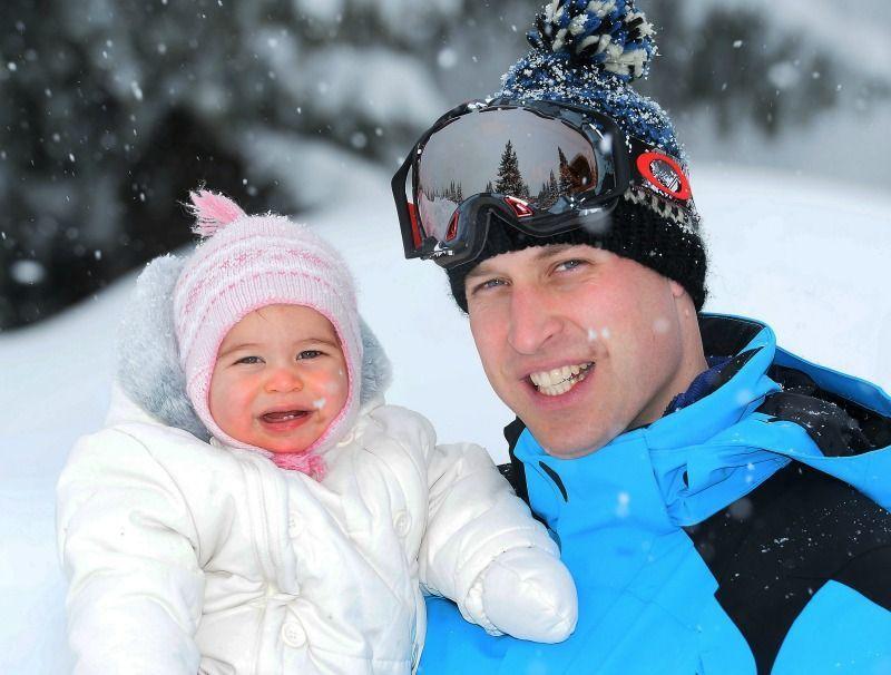 Der erste FamilienurlaubIm März 2016 geht es für Herzogin Catherine und Prin... - Bildquelle: dpa - Picture Alliance