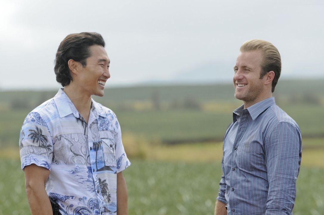 Noch stehen Danny (Scott Caan, r.) und Chin (Daniel Dae Kim, l.) vor einem Rätsel ... - Bildquelle: TM &   CBS Studios Inc. All Rights Reserved.