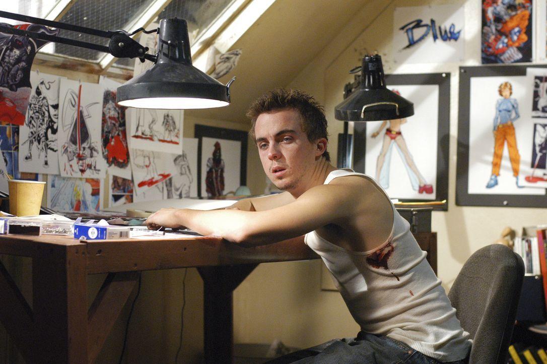 Der Comicbuchautors Jonny McHale (Frankie Muniz) ahnt nicht, dass er an einer posttraumatische Störung leidet und nachts mordend durch die Strassen... - Bildquelle: Touchstone Television